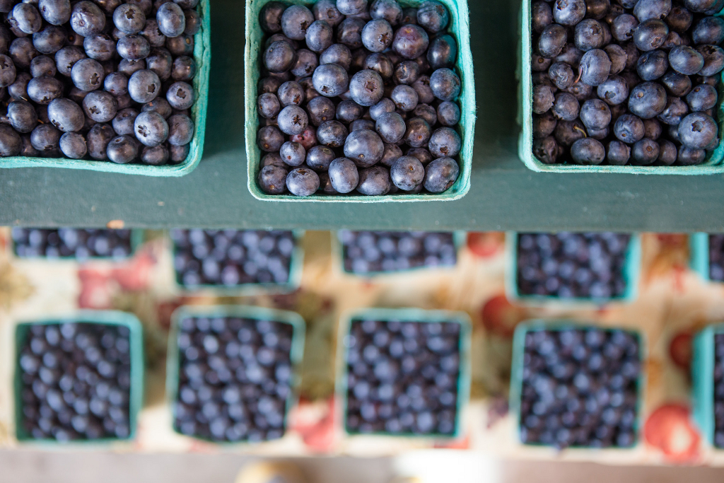 blueberries_in_cartons